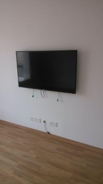 专业安装电视机墙式挂架